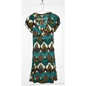 Forever 21 Bold Retro '70s Geometric Print Dress